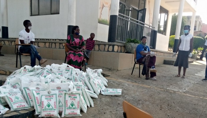 Campus News: Cbot Donates Food To Kiu Western Campus Students