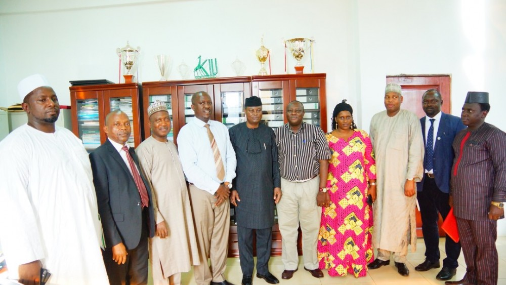 Vice Chancellor Holds Meeting with TAC Representatives
